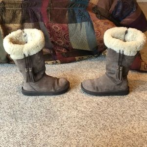 Ugg Espresso Plumdale tall sheepskin boots size 5